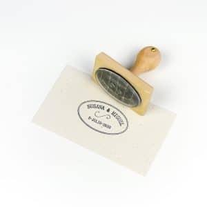 Sello personalizado Vintage estampado sobre papel